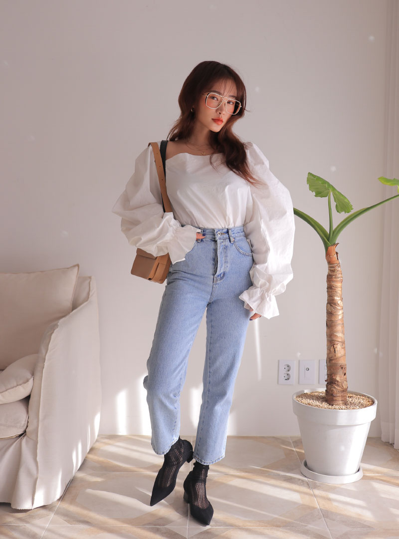 a6b8d44fd19 Product   Faded High-Rise Cropped Jeans